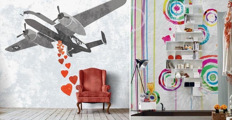 carta da parati colorate e moderne con aeroplano che sgancia cuori e figure astratte che risaltano una serie di mensole
