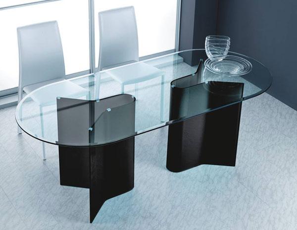 Tavolo da pranzo ovale in vetro di La Vetreria seven project studio